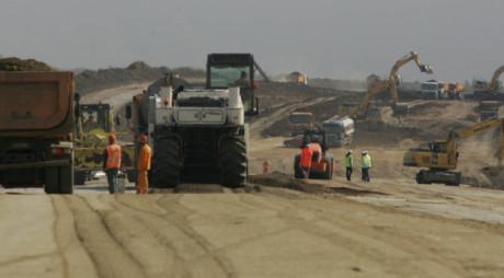 Autostrada Lugoj-Deva: Au fost emise autorizaţiile pentru pornirea lucrărilor la loturile nefinalizate