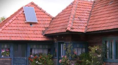 Lumină pentru Ursici: primul sat din România iluminat de panouri fotovoltaice