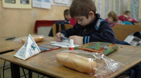 HUNEDOARA | Laptele și cornul din prima zi de școală