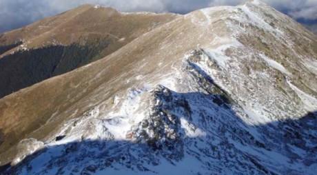 Zăpada pe crestele din Masivul Parâng ajunge la 15 centimetri