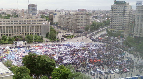 Sindicaliștii din Mine-Energie protestează marţi la Guvern