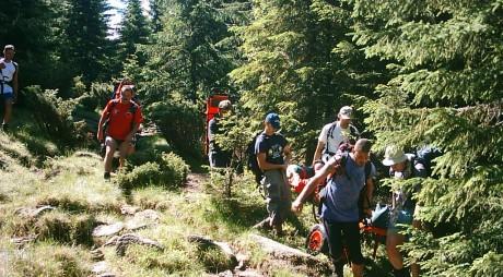 ACCIDENT ÎN RETEZAT | Turistă rănită, salvată de salvamontiști