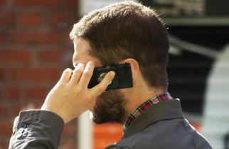 Un tribunal a recunoscut legătura dintre utilizarea pe termen lung a telefonului mobil și cancer