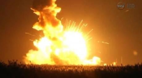 Alertă la NASA! O rachetă a explodat după lansare!