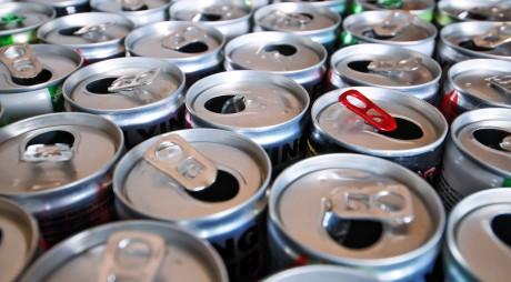 Ce se întâmplă în corpul tău atunci când bei energizante. Efectele sunt îngrozitoare!