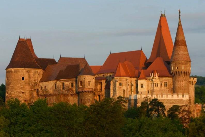 Castelul-Corvinilor_foto-Albert-Horopciuc