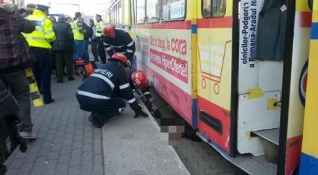 FOTOGRAFII ŞOCANTE   Arad. O femeie a MURIT călcată de tramvai