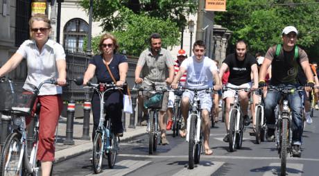 """Atenţie biciclişti! """"CARAVANA CICLISTĂ"""" pleacă din nou"""