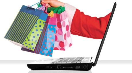 Românii fac cumpărături online, dar se feresc să achite prin transfer bancar