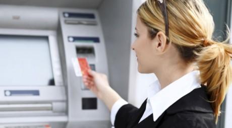 Prima ţară din lume care renunţă total la banii cash