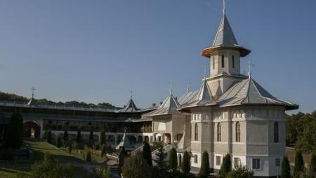 Mănăstirea ctitorită sub semnul învățămintelor părintelui Arsenie Boca