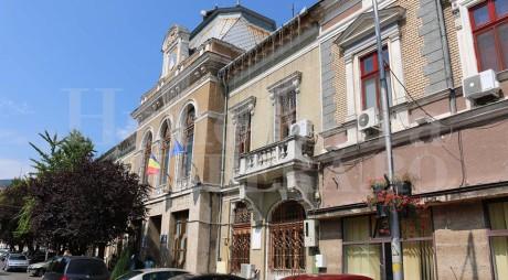 Primăria Deva a pus bani de-o parte pentru COLINDĂTORI