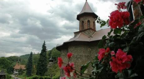 Mănăstirea Prislop, locul de reculegere și credință al românilor