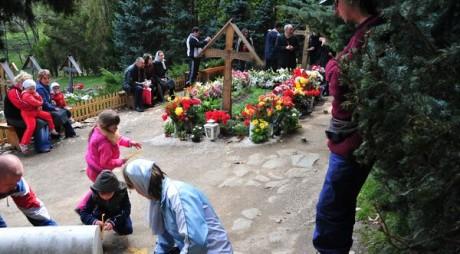 Un număr impresionant de pelerini a trecut pragul Mănăstirii Prislop la sfârşitul săptămânii trecute