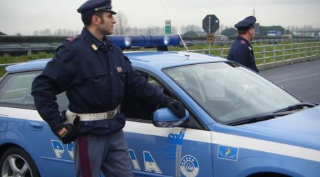 Doi români au fost arestaţi în Italia. Au decis să profite de tragedia localnicilor, într-o zonă devastată de inundaţii