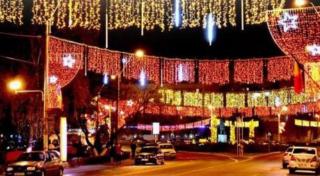 Se aprind luminile de sărbători în Hunedoara