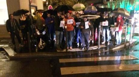 Ce MESAJ le transmit românii din Paris celor din ţară care au lipsit la vot