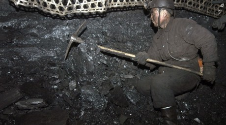 Minerii vor lucra SÂMBETELE pentru a fi LIBERI de sărbători