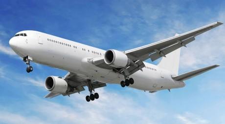 Companiile aeriene cer testarea pasagerilor înainte de plecare