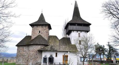 Povestea bisericii de la Gurasada, lăcaş de cult construit cu peste 700 de ani în urmă