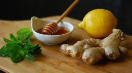 Cum prepari acasă siropul împotriva durerilor de gât