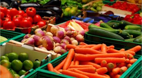 SIMPLU! Așa afli dacă fructele sau legumele au fost tratate din pesticide