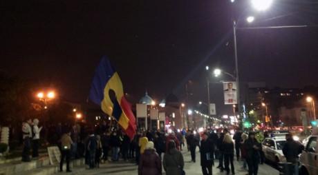 Se anunţă PROTESTE de amploare. Bucureştenii şi clujenii au început să iasă în stradă