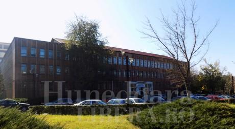 Policlinica din Hunedoara, reabilitată cu fonduri europene