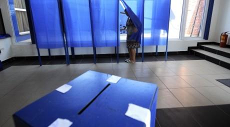 Peste 30 de hunedoreni, trimişi în judecată pentru fraudă la vot