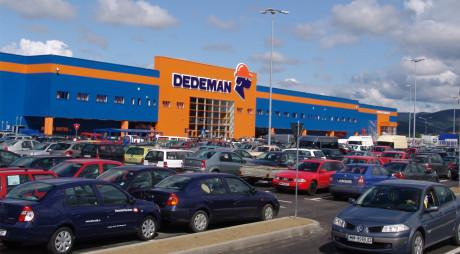 HUNEDOARA: Ce retailer a cumpărat un teren de 1,2 mil €