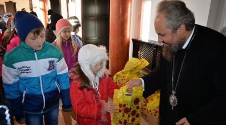 Colindătorii au vestit Naşterea Domnului la Centrul Eparhial