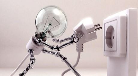 Energia electrică pentru populaţie se ieftinește degeaba