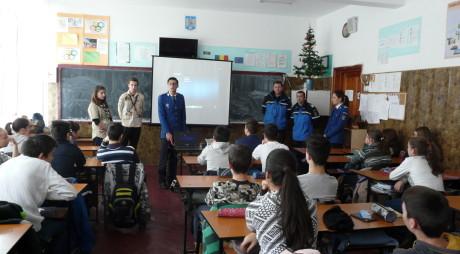 Campanie IJJ Hunedoara. Elevii au învăţat cum să se comporte în natură