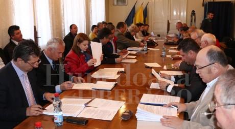 Hunedoara: Controlul Curţii de Conturi naşte suspiciuni
