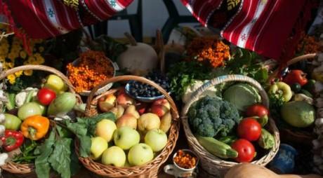 Fructele româneşti ar putea dispărea din magazine şi pieţe în următorii ani