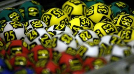 Premiu de peste 3.5 milioane de euro la loto. Cum se joacă la Joker