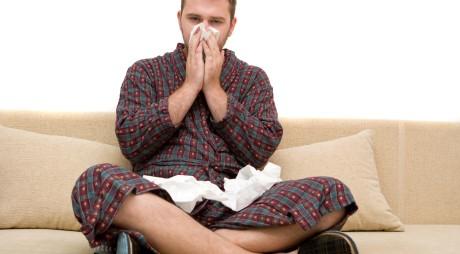 Românii luptă împotriva virozelor cu tratamente mai periculoase decât boala. Ce medicament este INTERZIS până la 12 ani