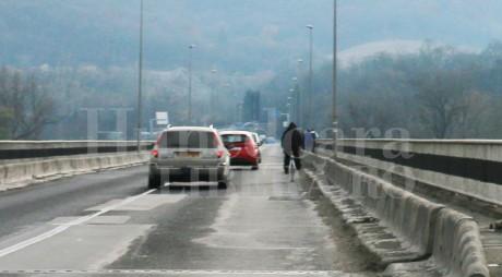 Traficul rutier în zona podului de la Şoimuş va fi restricţionat