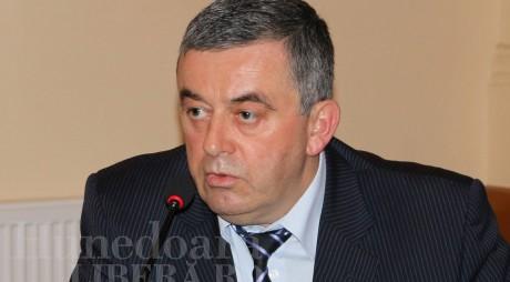 Vicepreşedinte PNL Hunedoara, MUŞTRULUIT de un coleg de partid