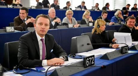 Un tânăr hunedorean, vocea oficială a Popularilor Europeni