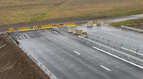 RUȘINOS! Inaugurăm doar 10 km de autostradă în 2015. Bulgarii fac 142 de km
