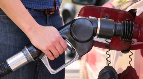 Carburanţii au scăzut sub 5 lei/l. Unde s-a întâmplat