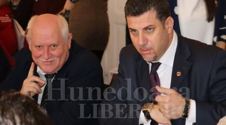 ÎN SFÂRŞIT… Primăria Hunedoara cere părerea ANI în cazul a doi consilieri locali