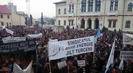 FOTO. Protest de amploare. Reprezentanții MINERILOR din Valea Jiului cer siguranță la locurile de muncă