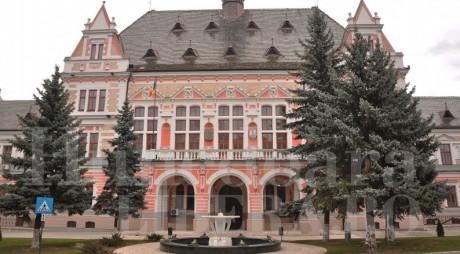 Trei posturi vacante la Consiliul Județean Hunedoara