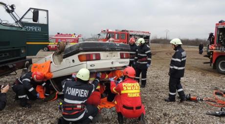 FOTO. Mobilizare de forţe pentru un ACCIDENT grav pe DN 7