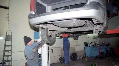 ANAF a amendat service-urile auto cu aproape 1,2 milioane lei
