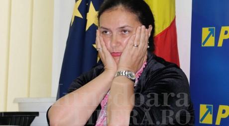 Deputata CARMEN HĂRĂU rămâne fără REPLICĂ