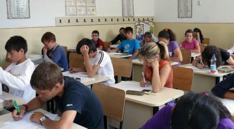 Examen de… basm pentru absolvenţii clasei a VIII-a