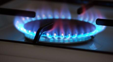 ANRE îngheață tarifele la gaz și electricitate